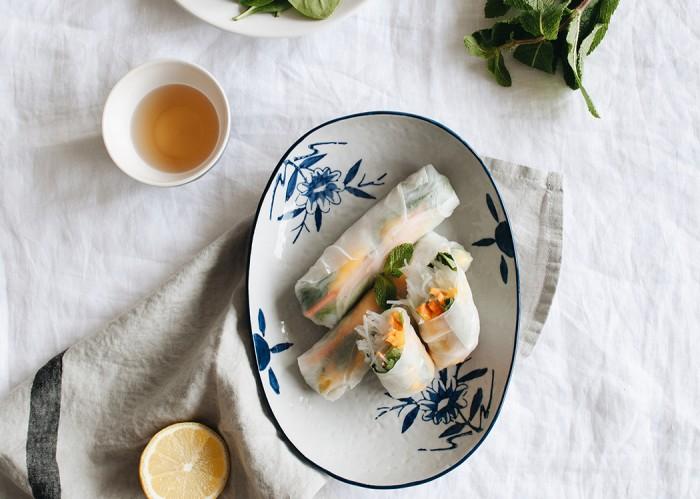 Rouleau-printemps-avocat-carotte-mangue-moodfeather-1